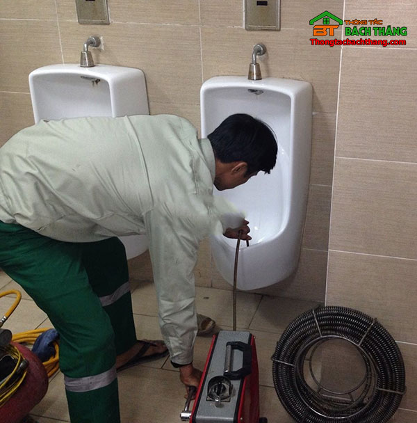 thông tắc nhà vệ sinh huyện củ chi giá rẻ BT store